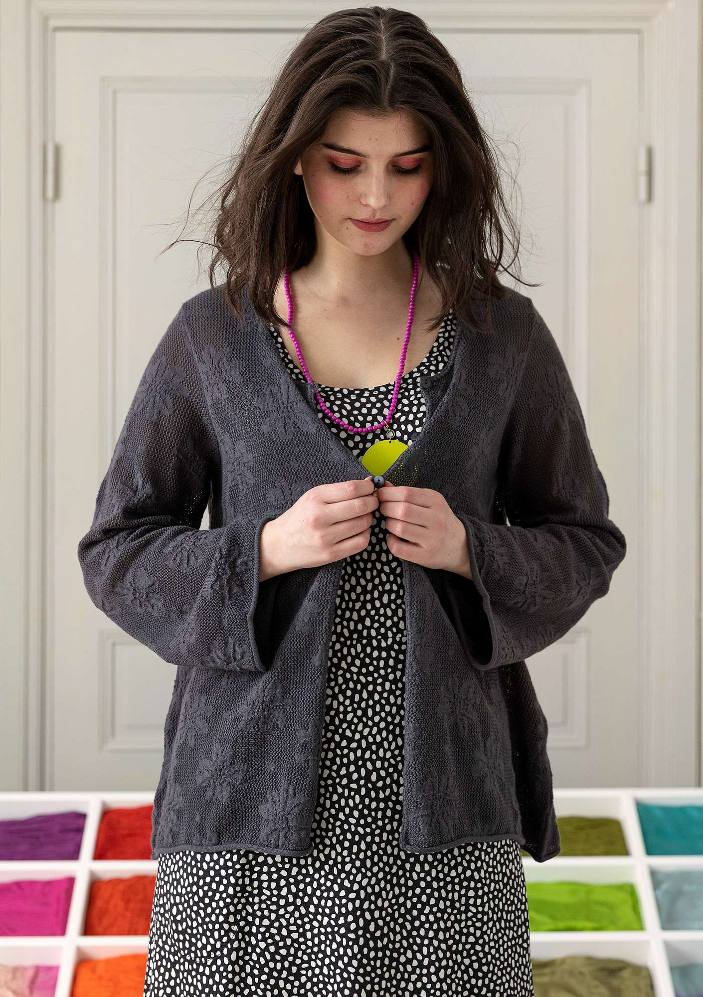 Pointellestrikket cardigan Allegro ash grey