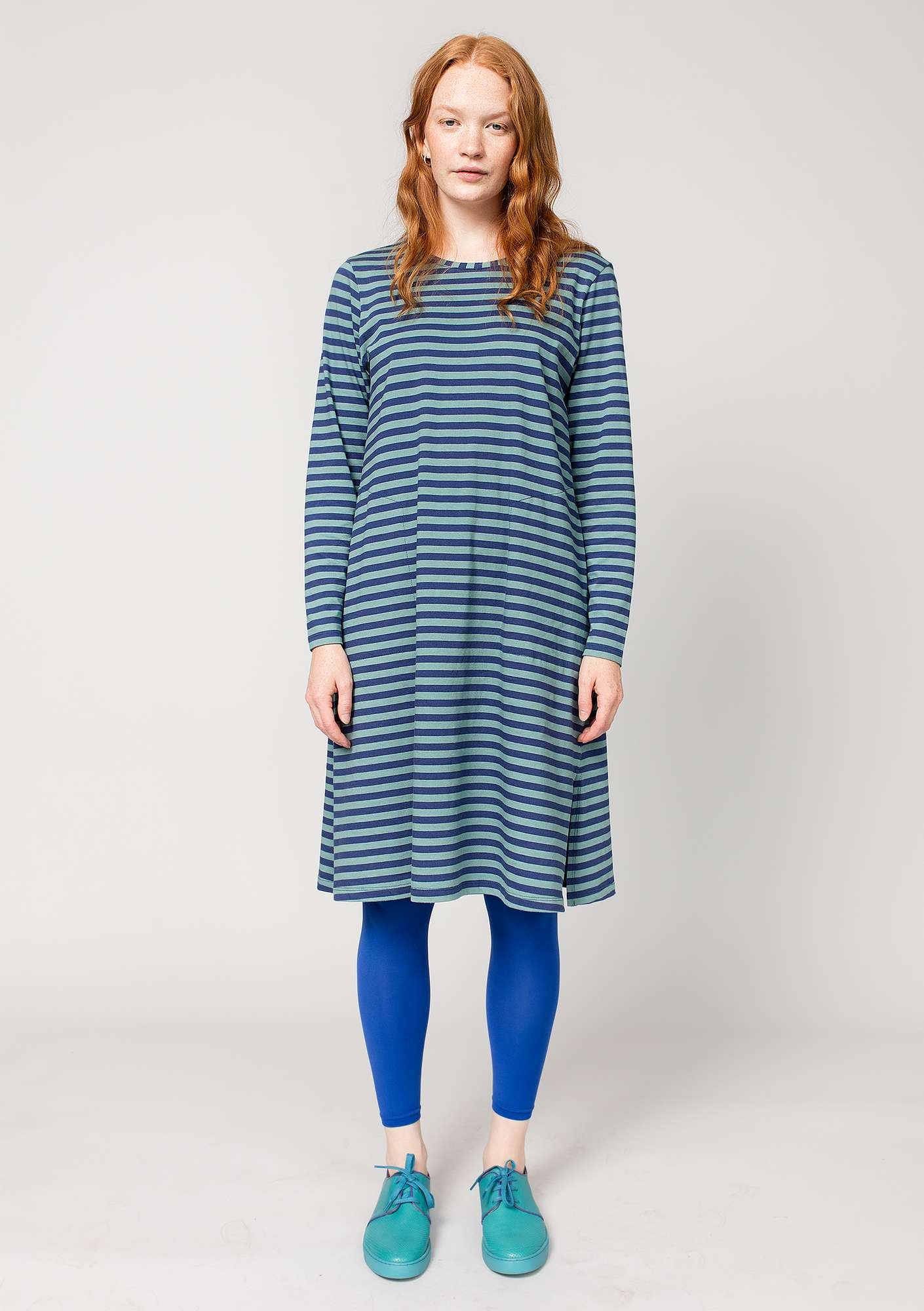 Striped dress in organic cotton midnight blue/tea tree