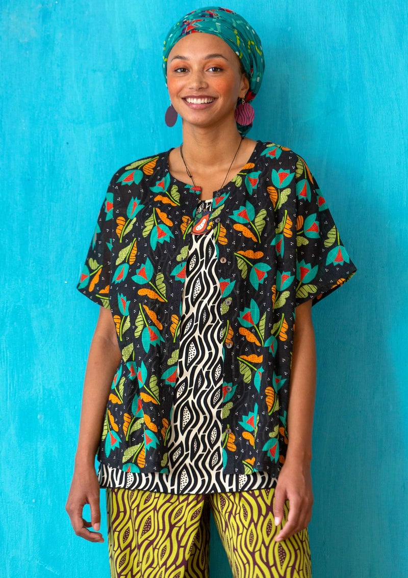 """Makeba"" blouse in organic cotton black/patterned"