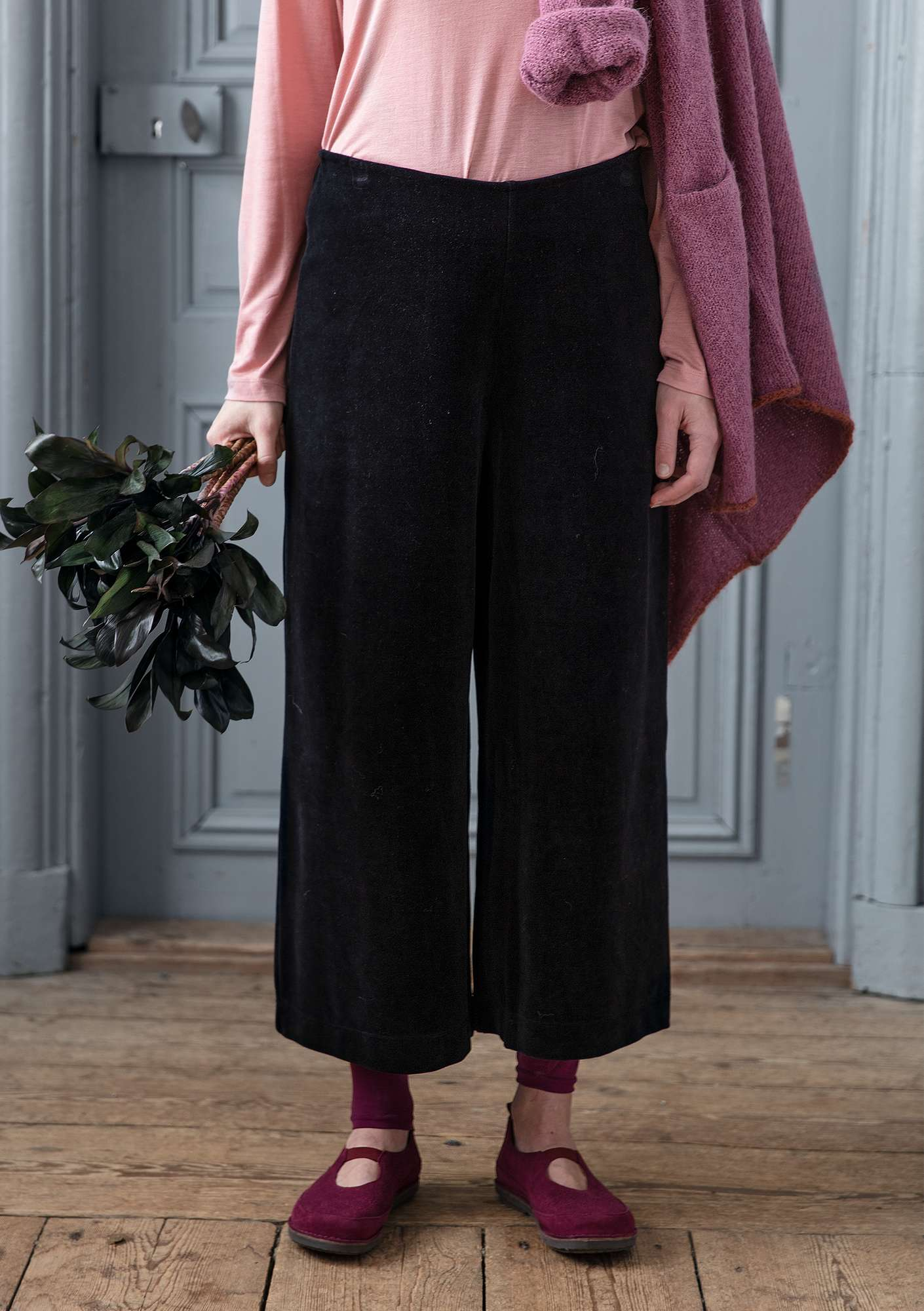 """Vurma"" velour trousers in organic cotton/polyester black"