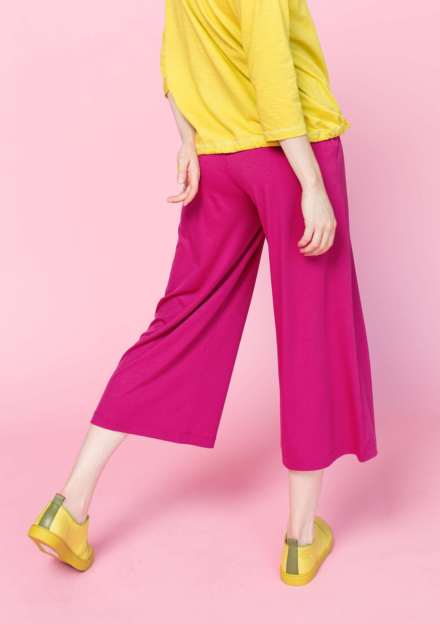 Solid-colour trousers cyklamen