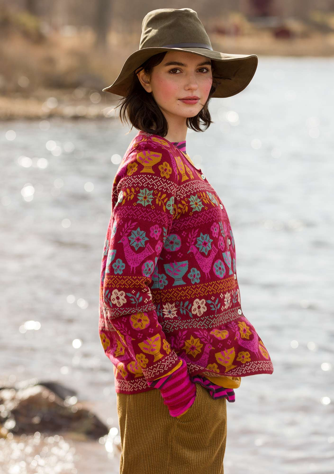 """Färila"" jacquard cardigan made of organic cotton agate red"