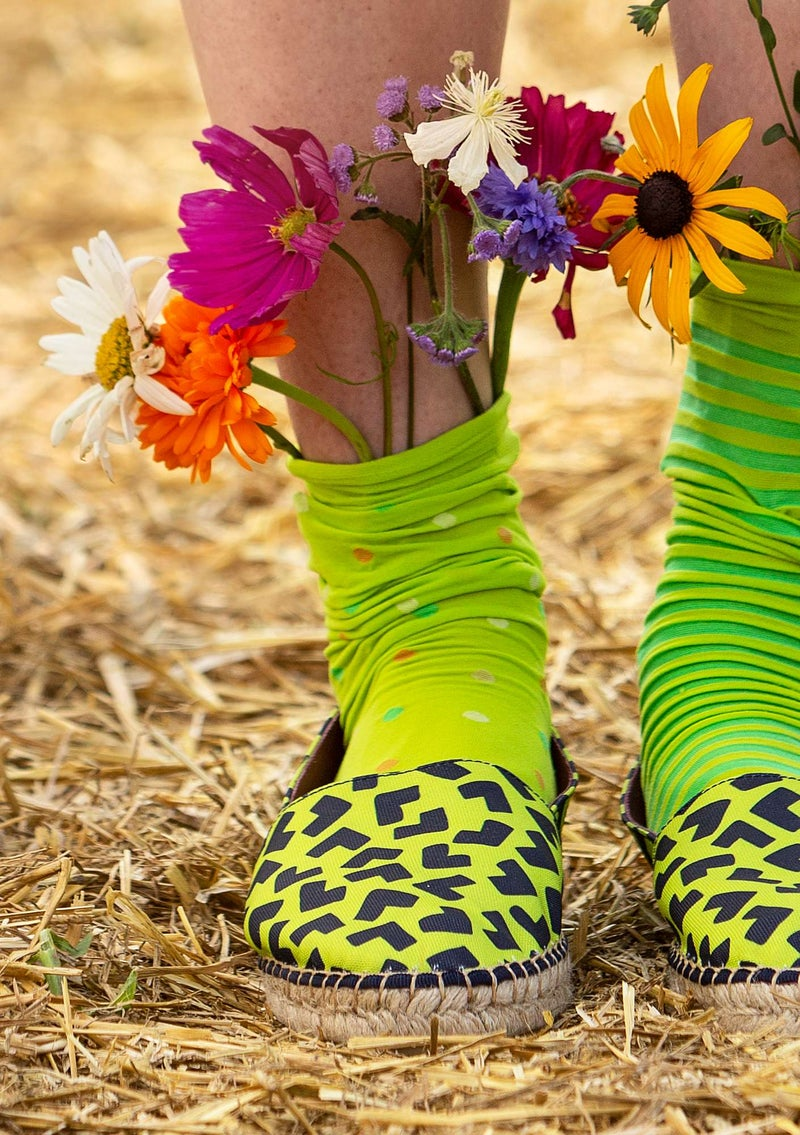 Dotted knee-highs in recycled polyamide tropical green