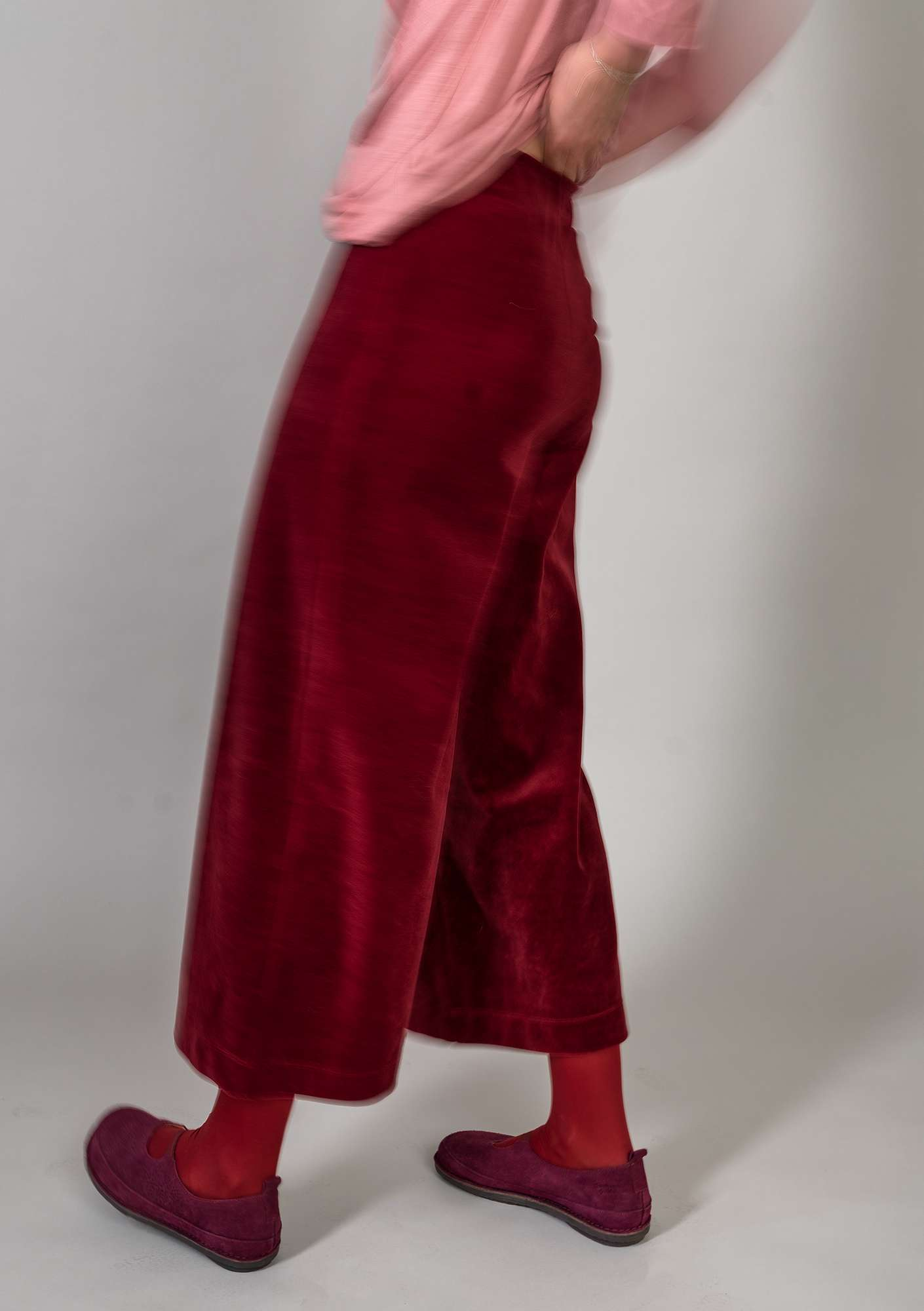 """Vurma"" velour trousers in organic cotton/polyester pomegranate"