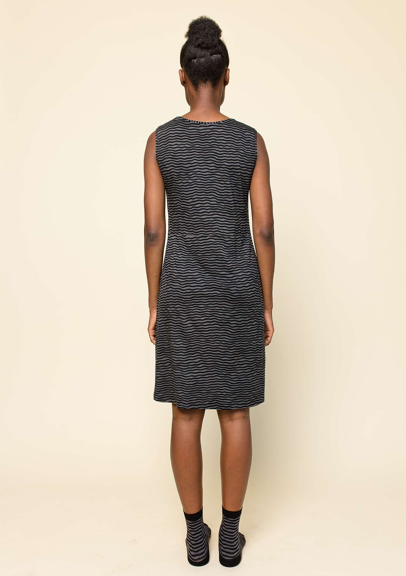 """Krusa"" dress in lyocell/spandex black/patterned"