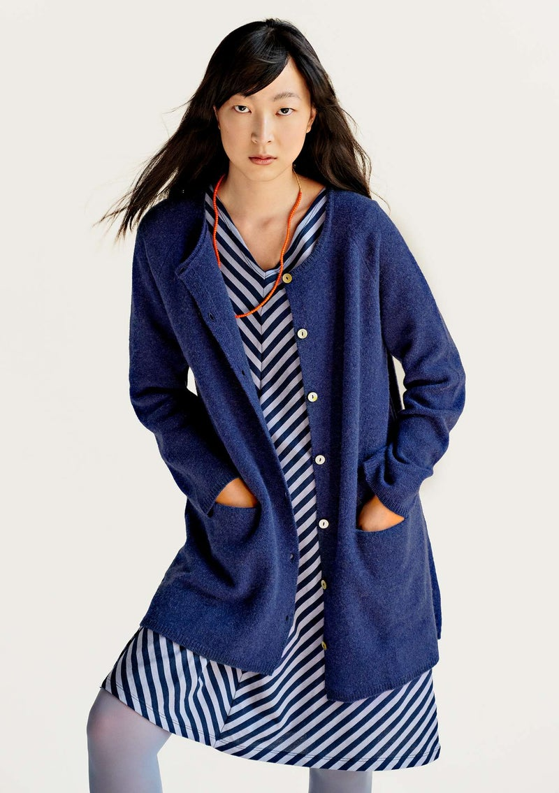 Long cardigan in wool midnight blue/solid-colored