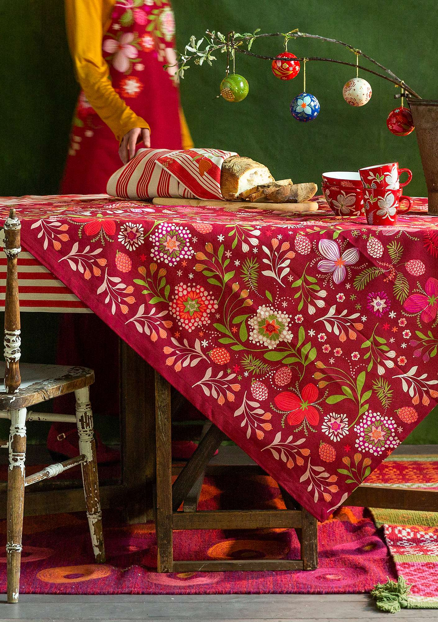 """Nejlika"" organic cotton tablecloth cranberry"