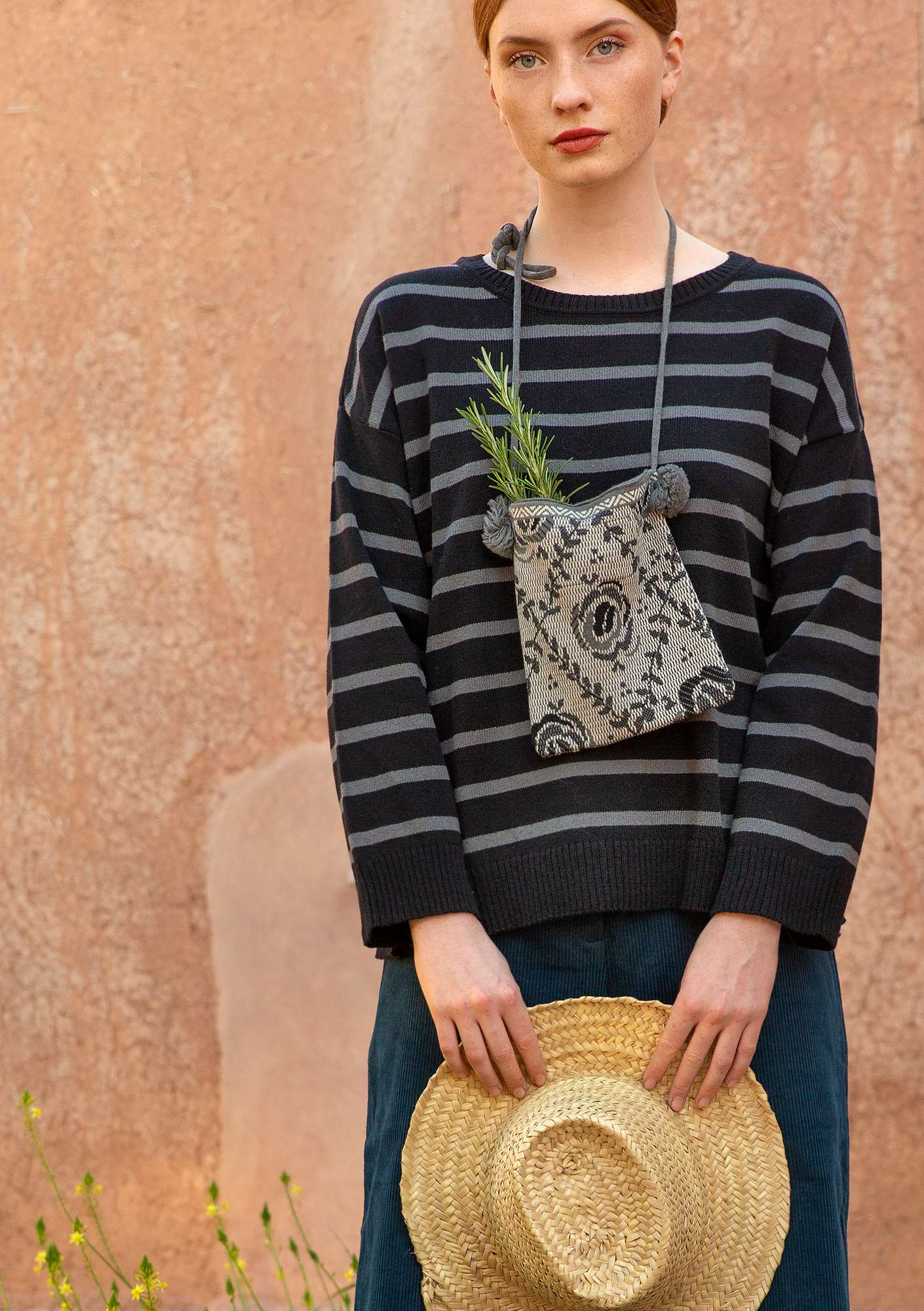 Striped sweater in recycled cotton black/graphite