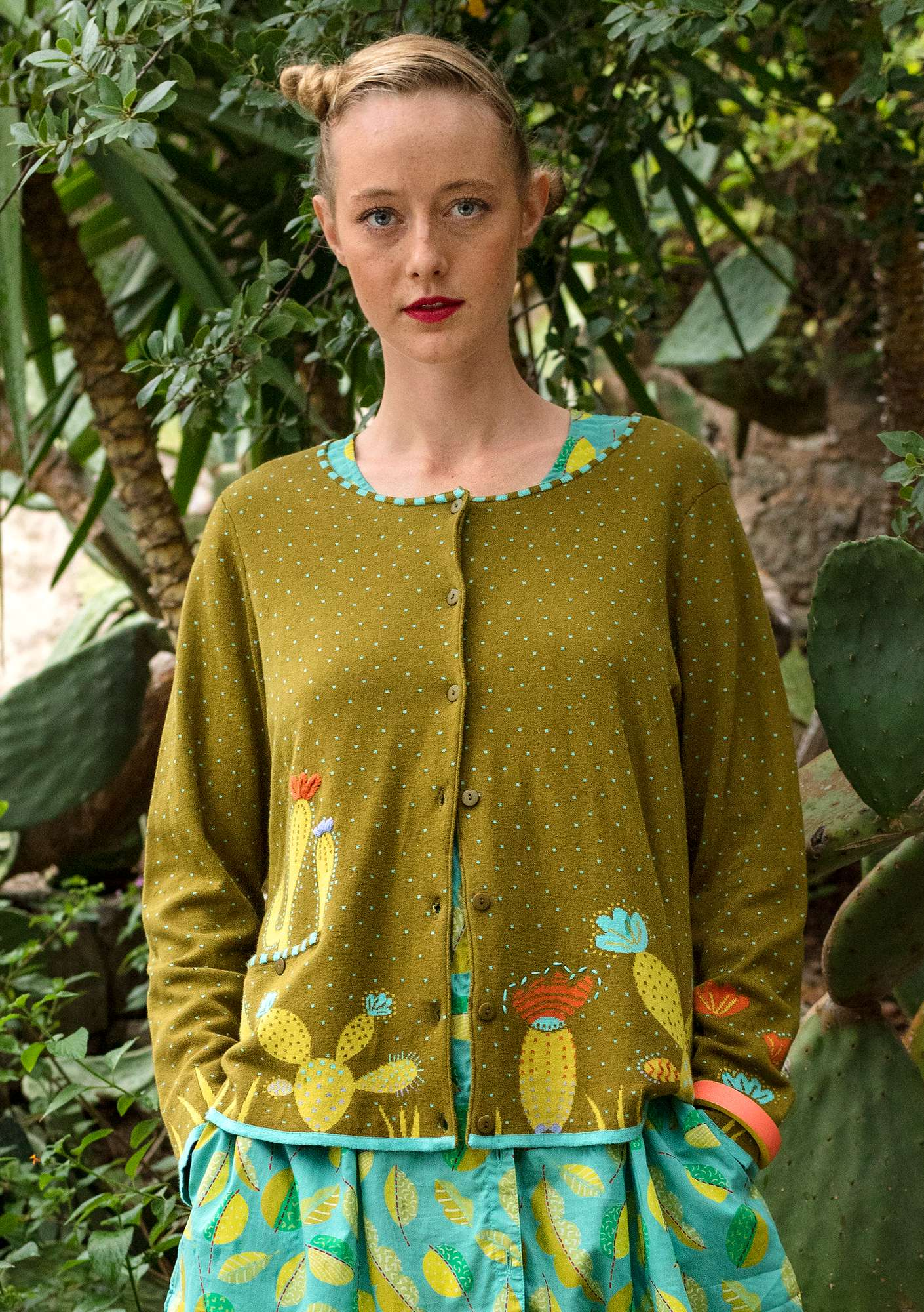 """Cactus"" cardigan in eco-cotton dark olive"