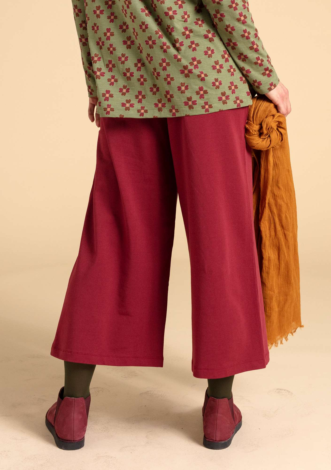 Solid-colour trousers pomegranate