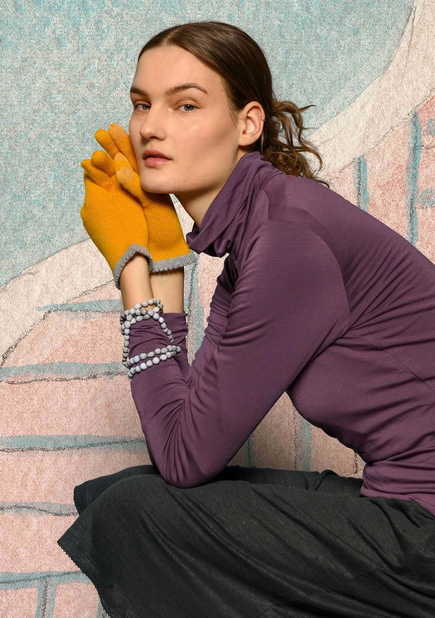 Solid-color turtleneck in lyocell/spandex mallow