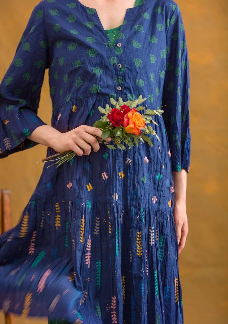 """Pimpinella"" dress in organic cotton midnight blue/patterned"