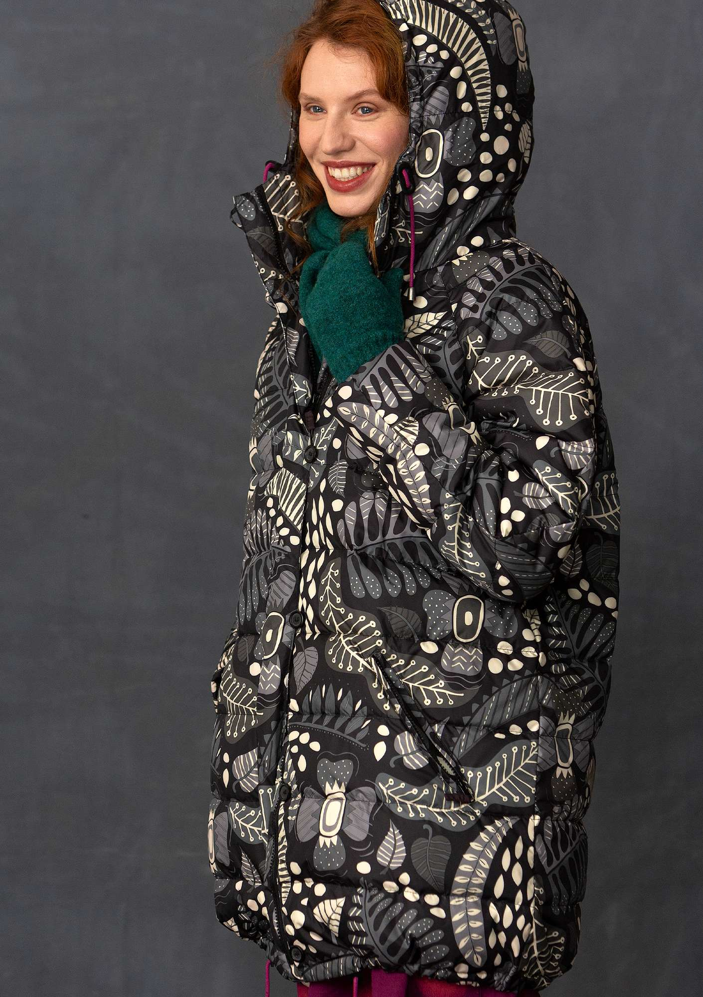 """Paradise"" down coat in recycled polyester black"