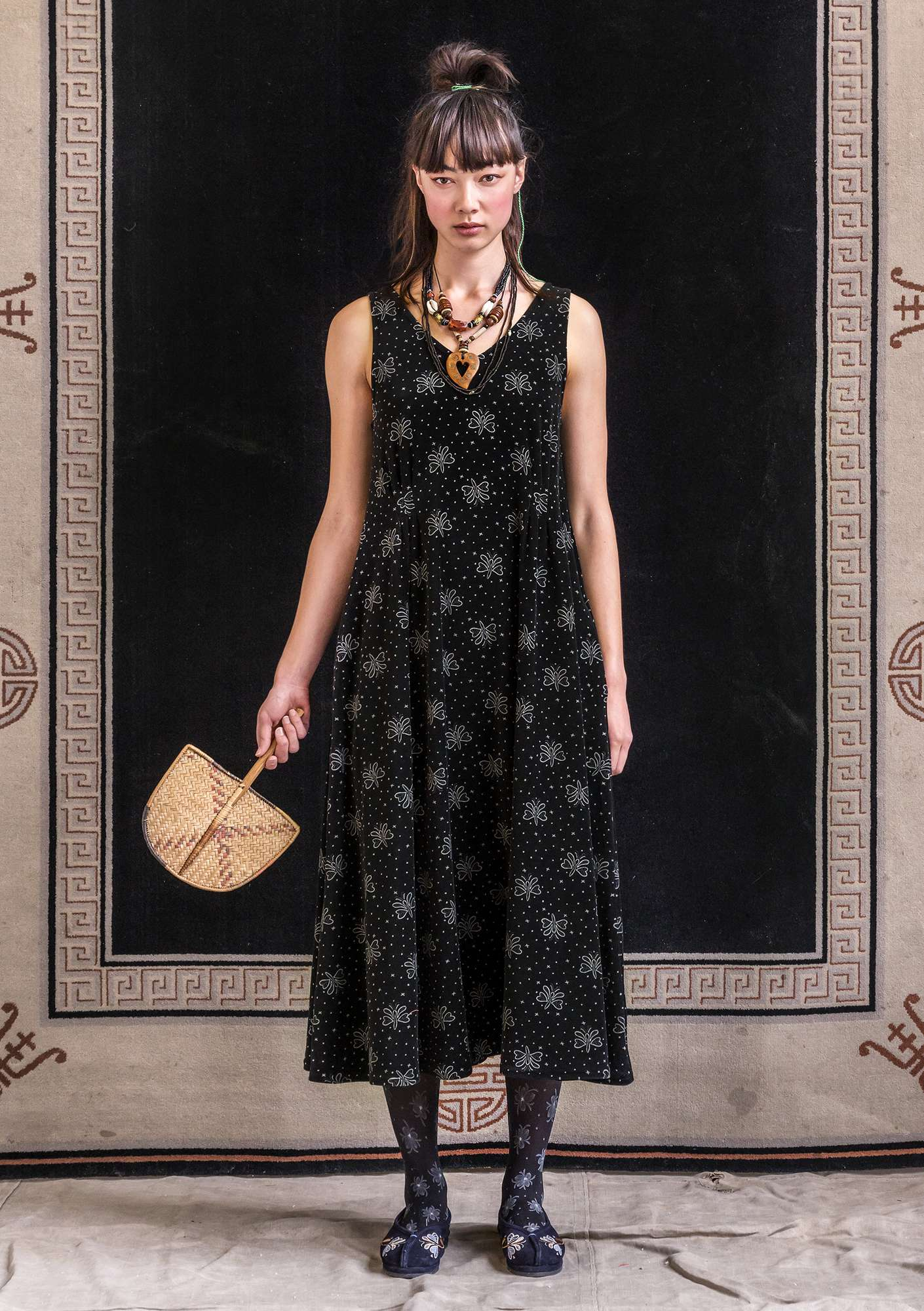 """Blossa"" long dress in organic cotton/polyester black"