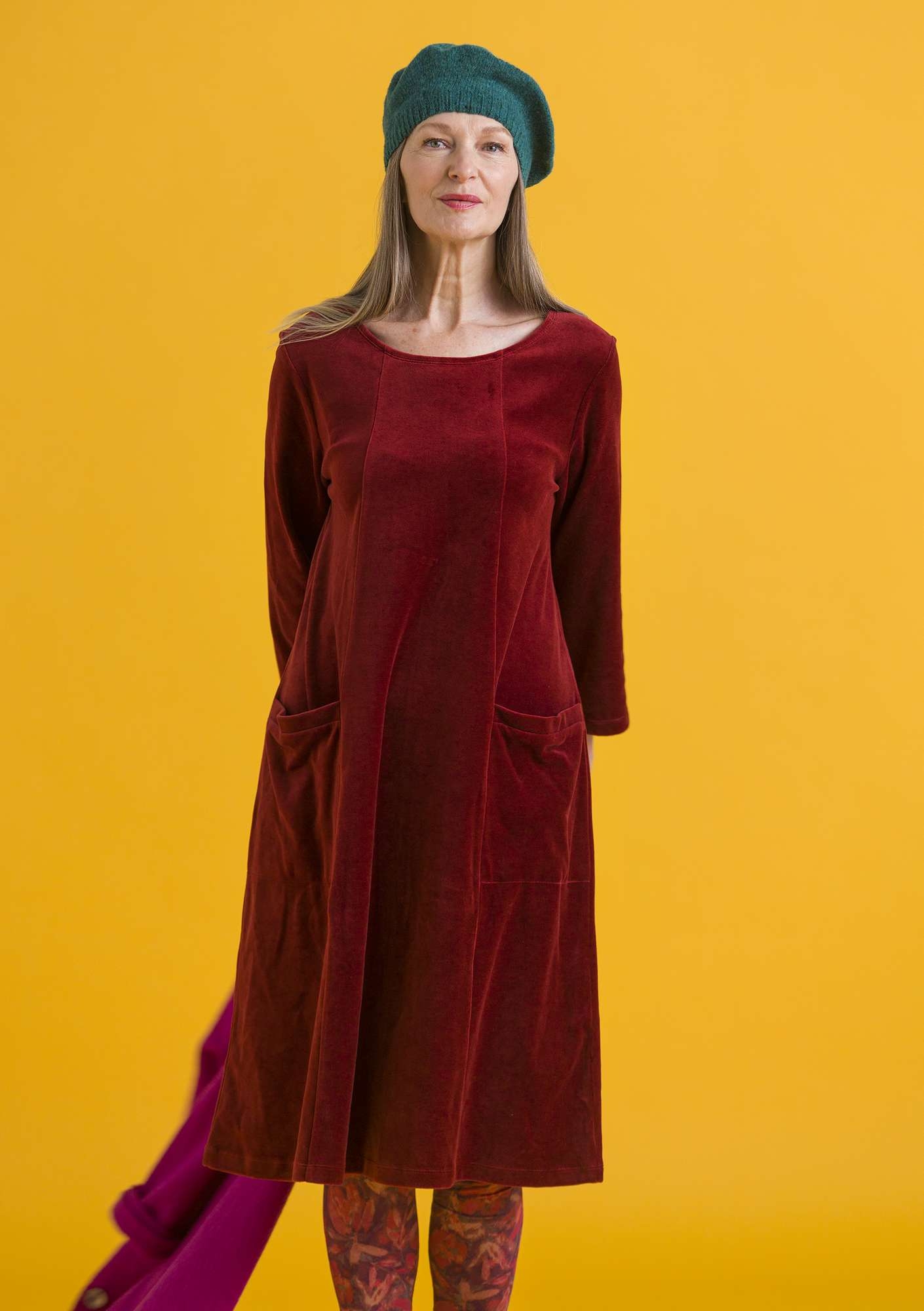 Velour dress in organic cotton/polyester agate red