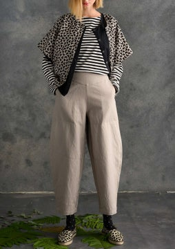 Solid-colored pants dark natural