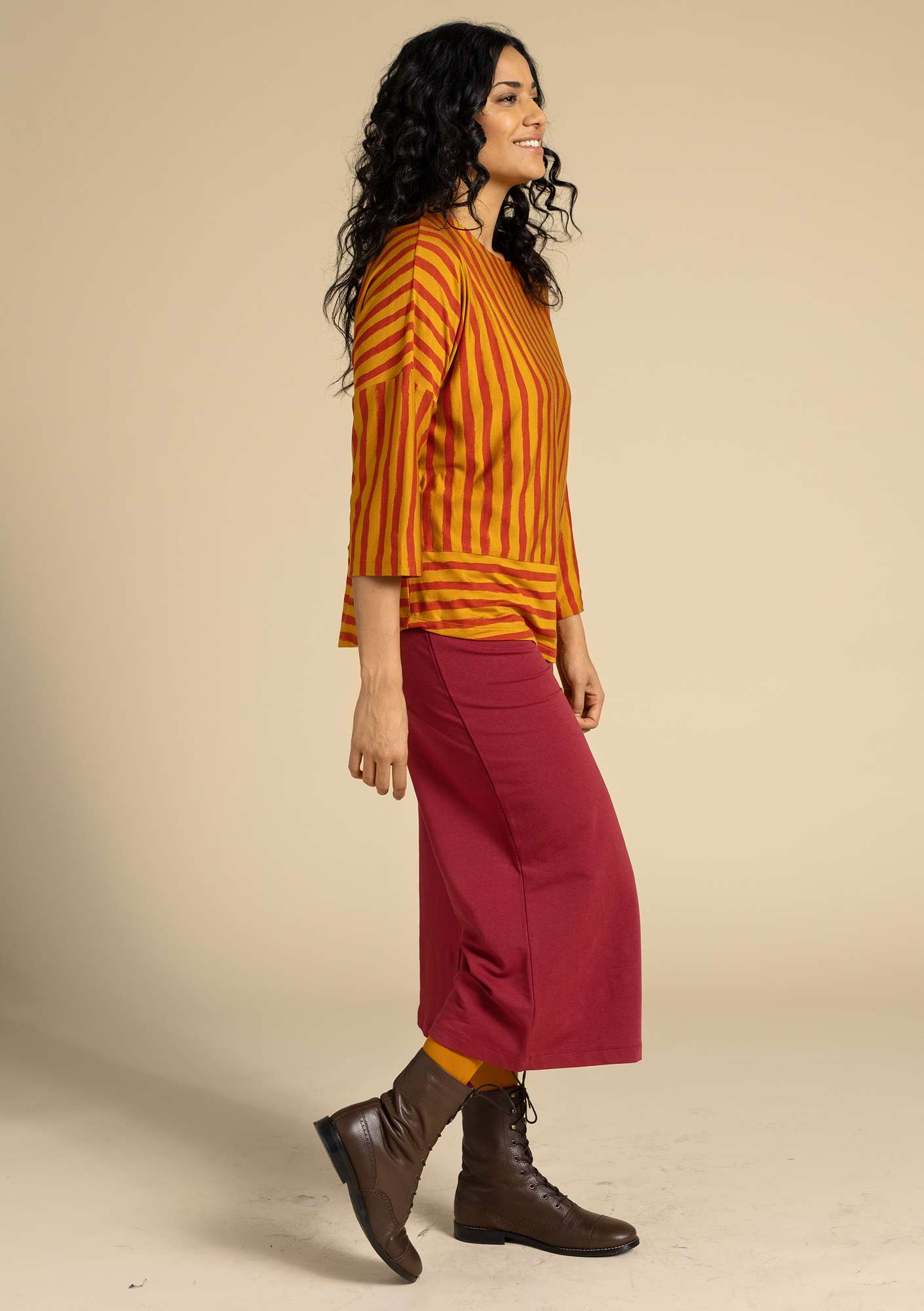 """Brush"" top in lyocell/elastane mustard/madder red"