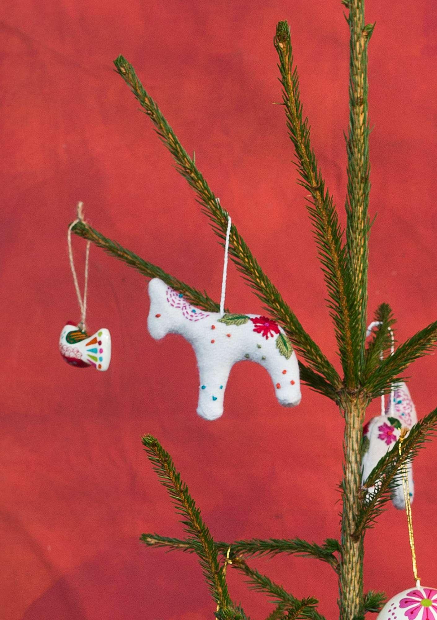 Weihnachtsdeko Katalog.Weihnachtsdeko Bakri Aus Wolle Gudrun Sjödén
