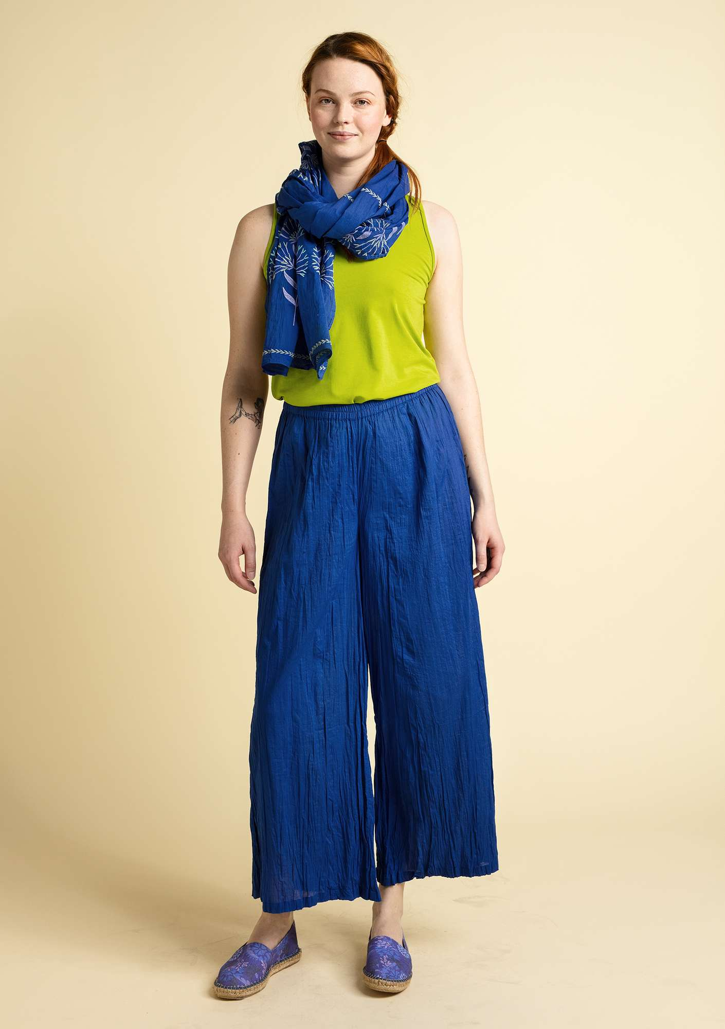 """Grekland"" trousers in organic cotton klein blue"