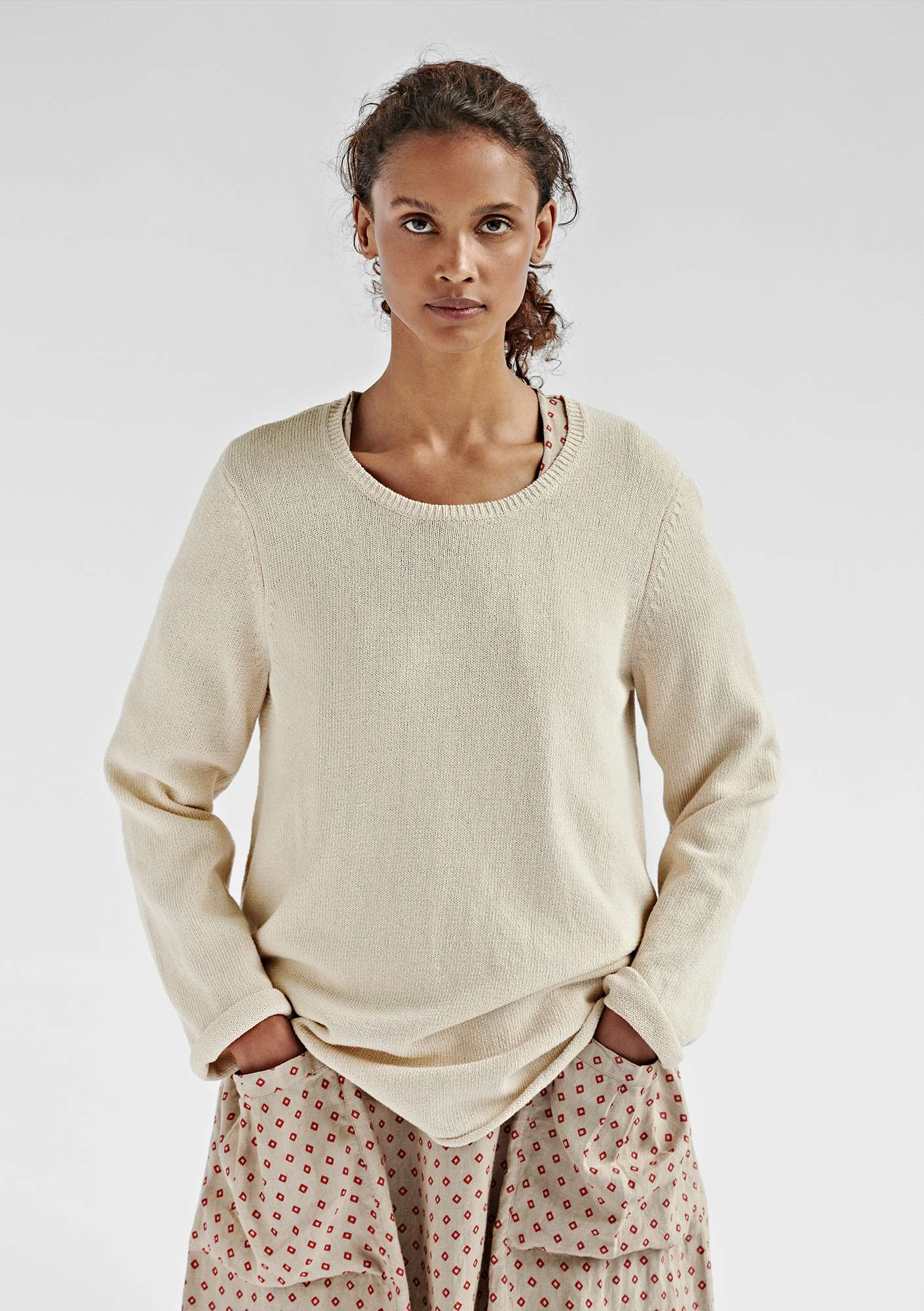 BÄSTIS sweater in organic cotton offwhite