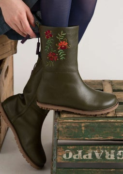 Artistic boots forest green