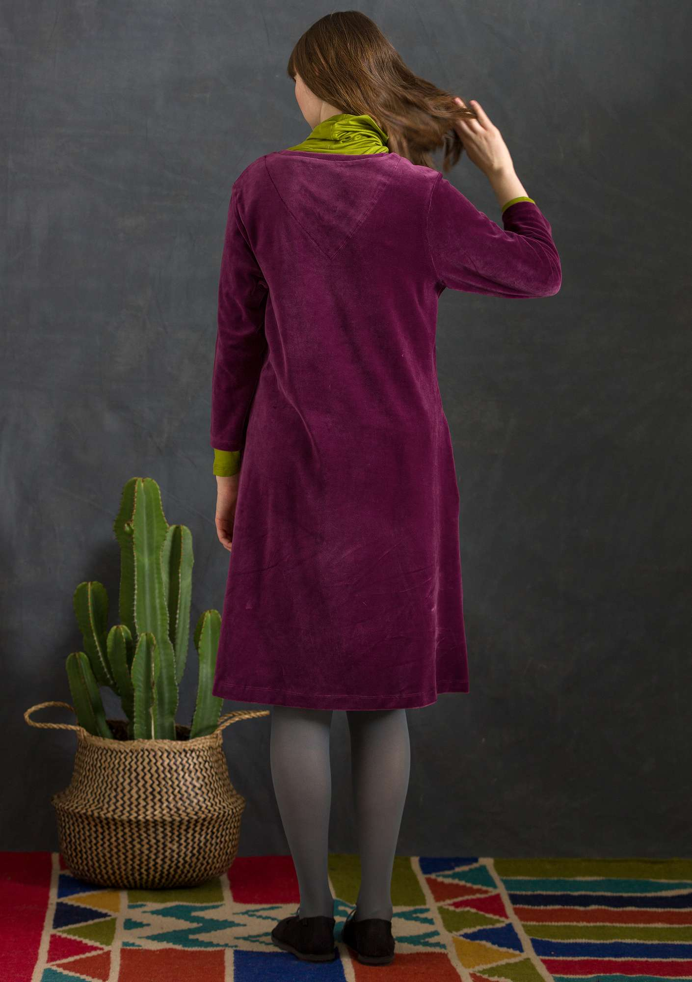 Velour dress in organic cotton/recycled polyester grape
