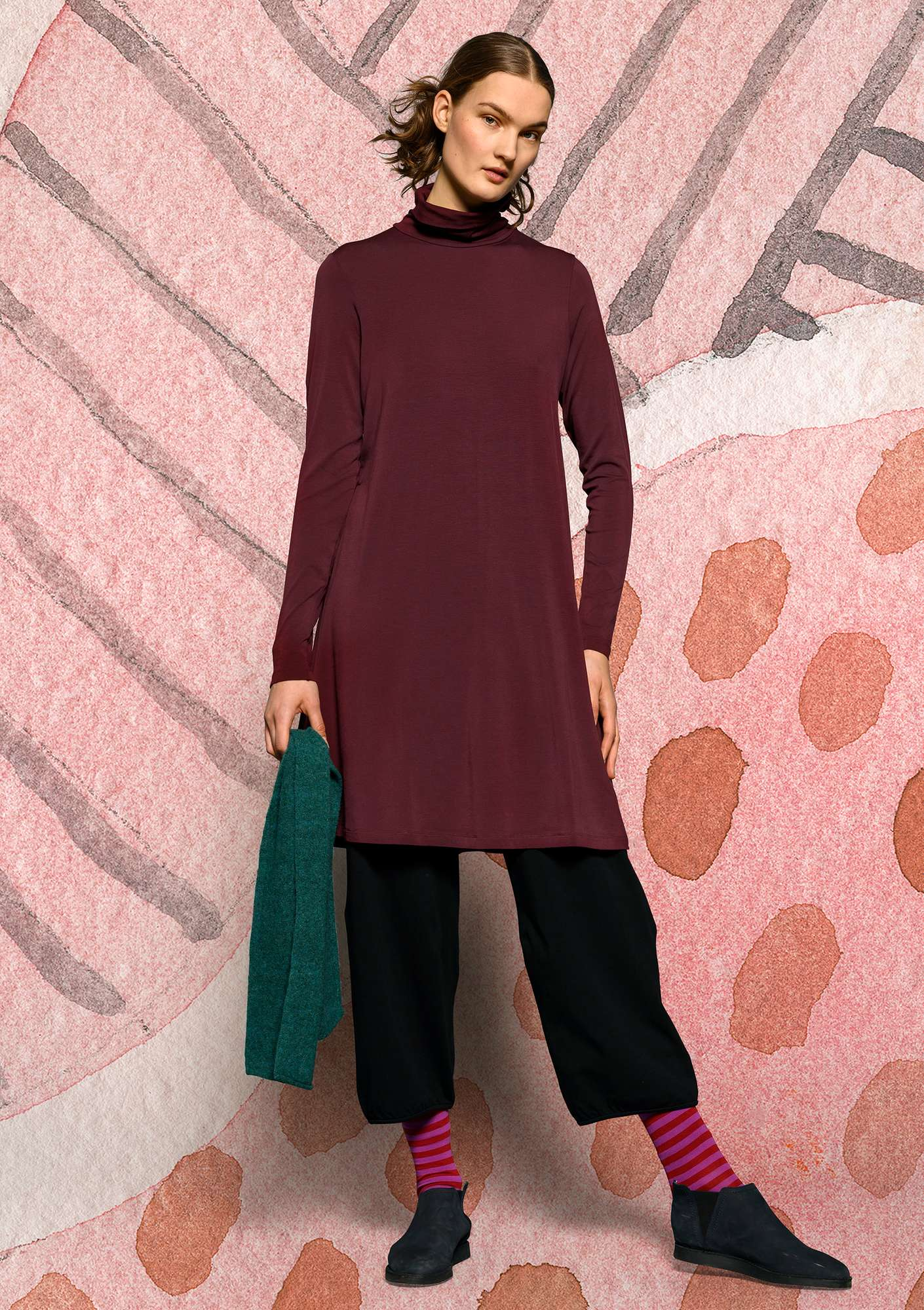 Solid-color turtleneck dress in lyocell/spandex aubergine