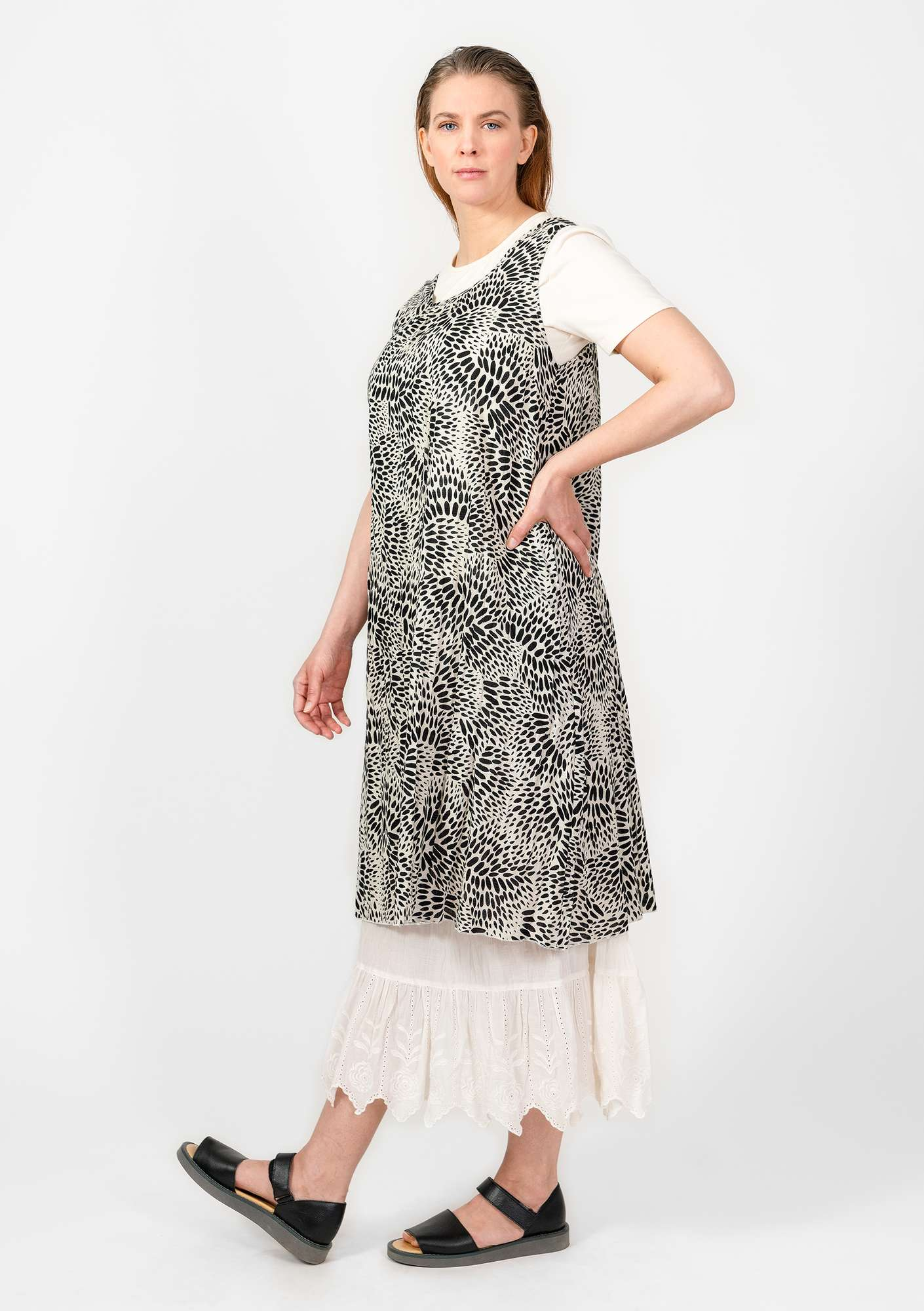 """Källa"" dress in cotton black"