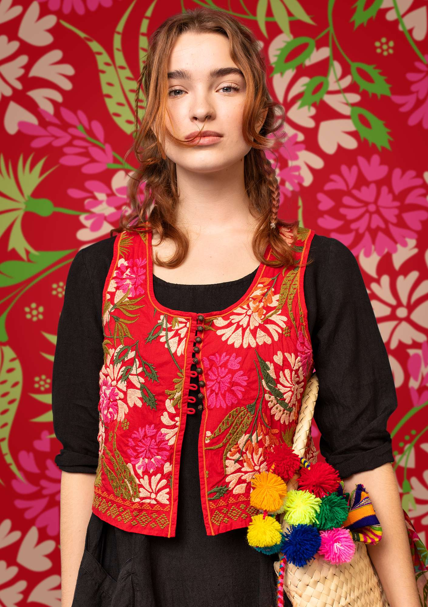 """Oas"" embroidered vest in eco-cotton tomato"