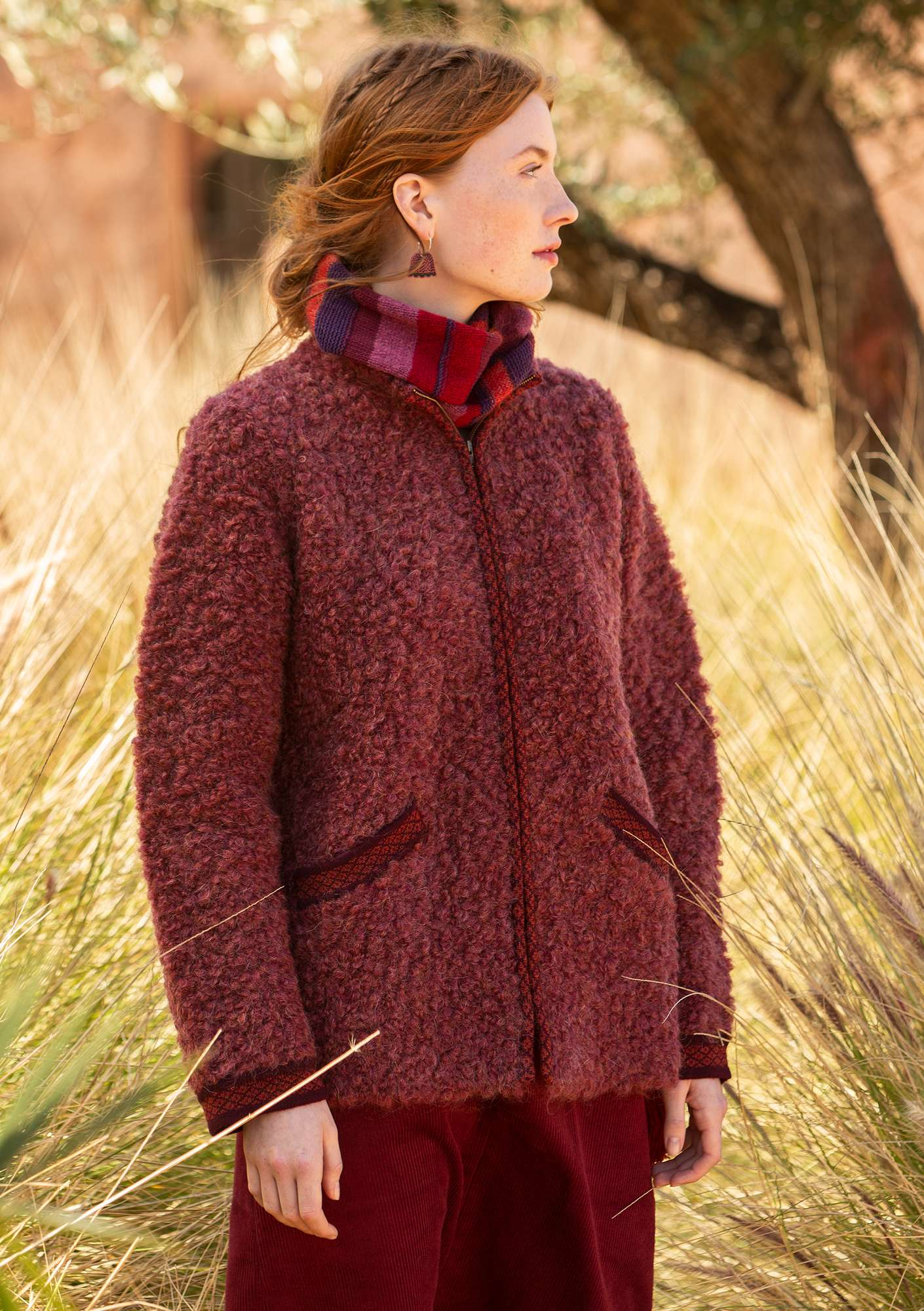 Curly bouclé jacket burgundy