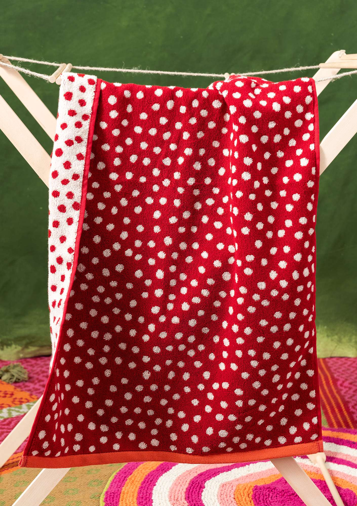 """Dots"" organic cotton hand towel cherry"