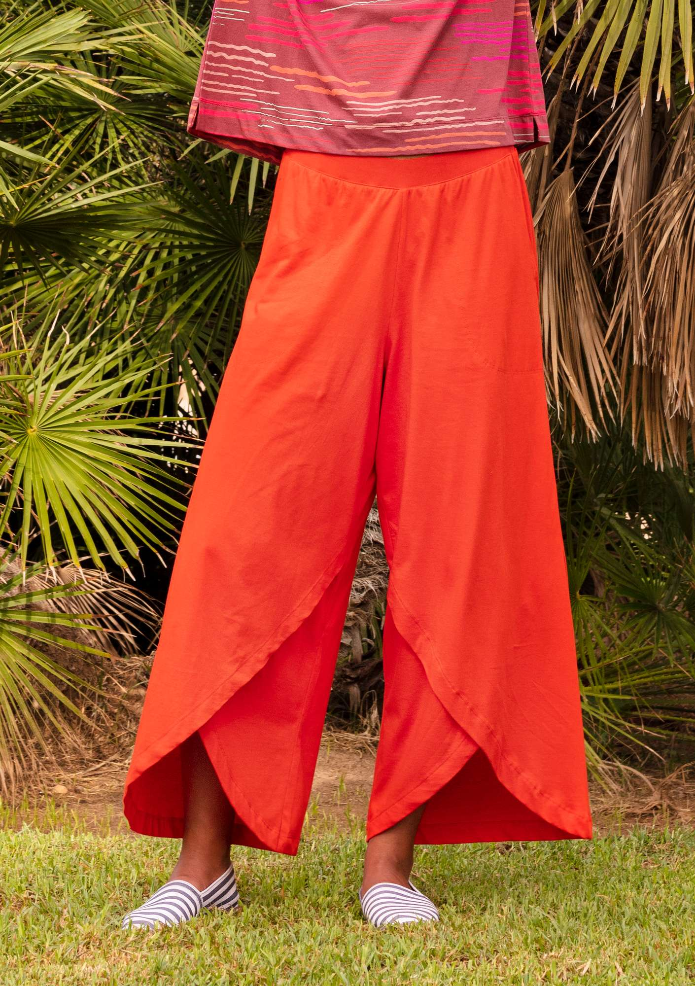 Jersey pants in eco-cotton lava red