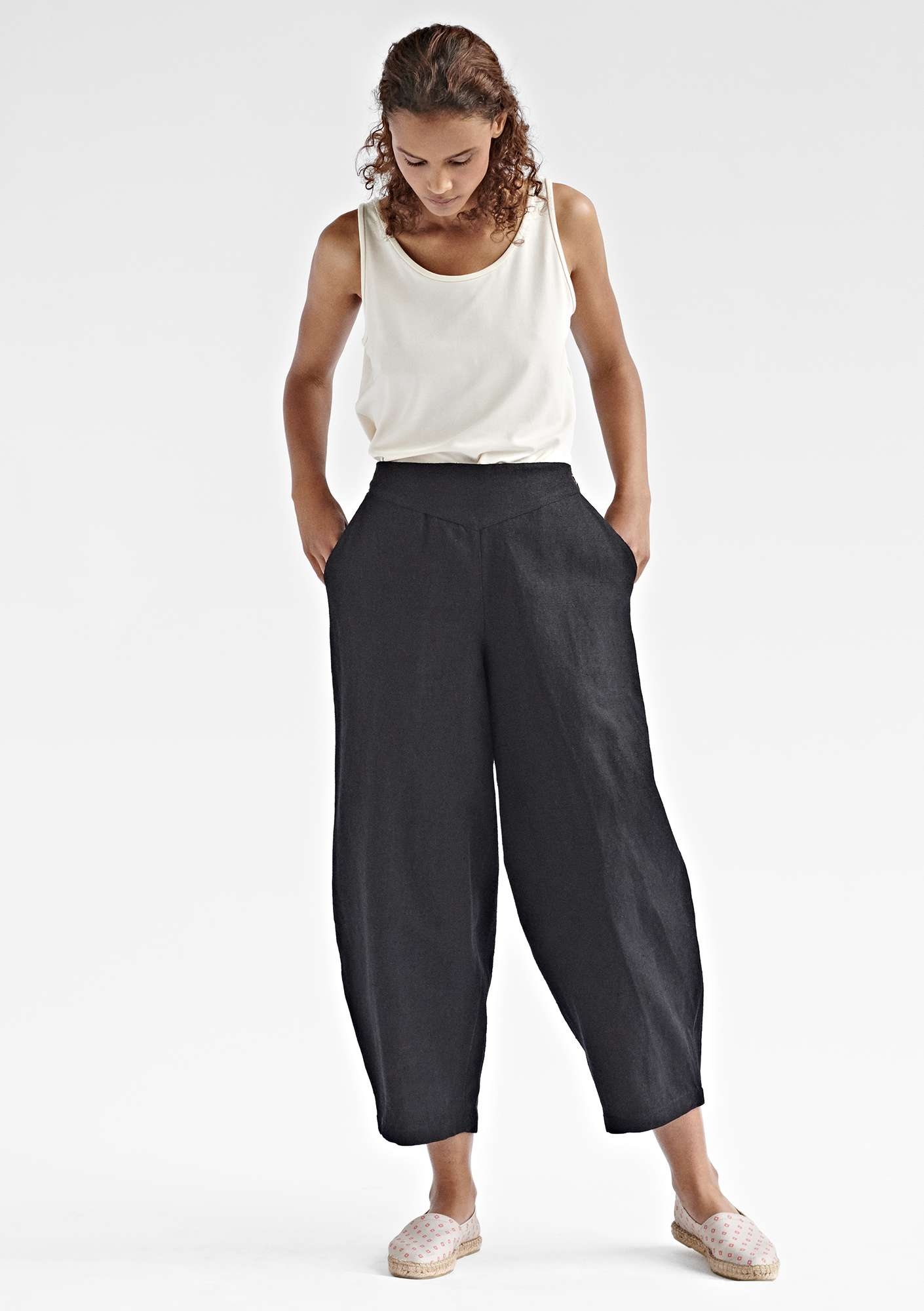 Voluminous pants in cotton/linen black