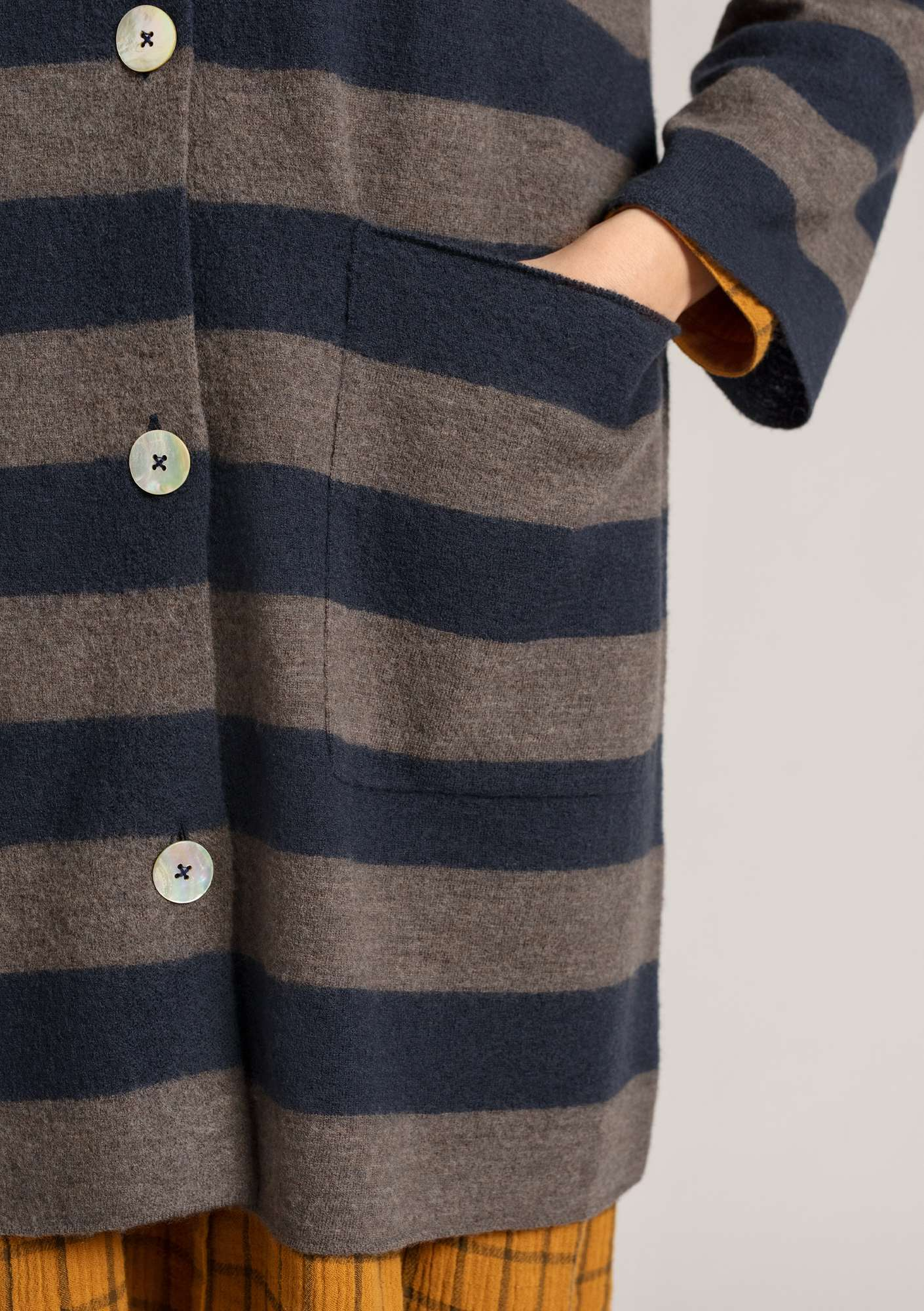 Long cardigan in felted wool ink blue/nature gray