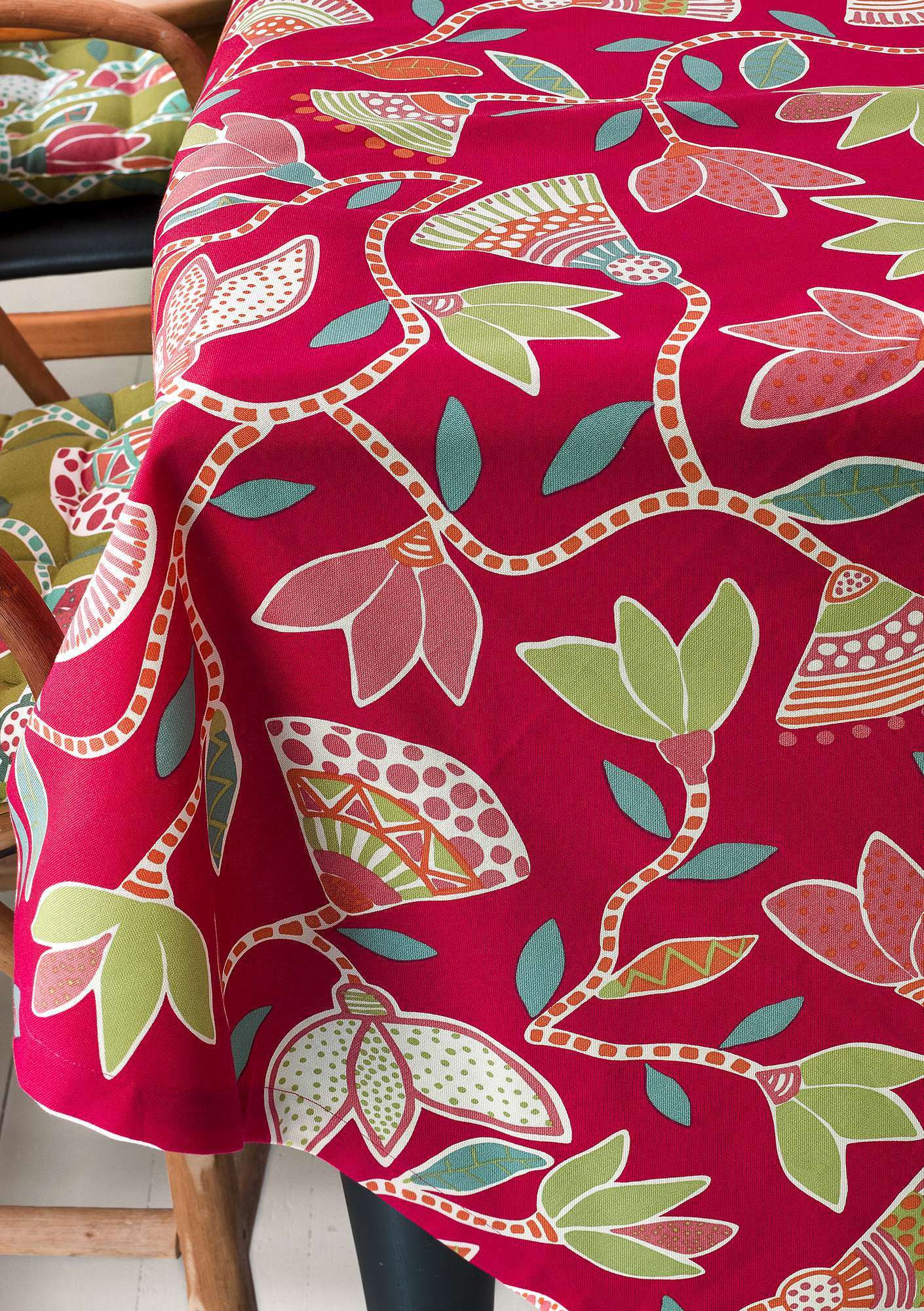 """Artemis"" organic cotton print fabric wild strawberry"