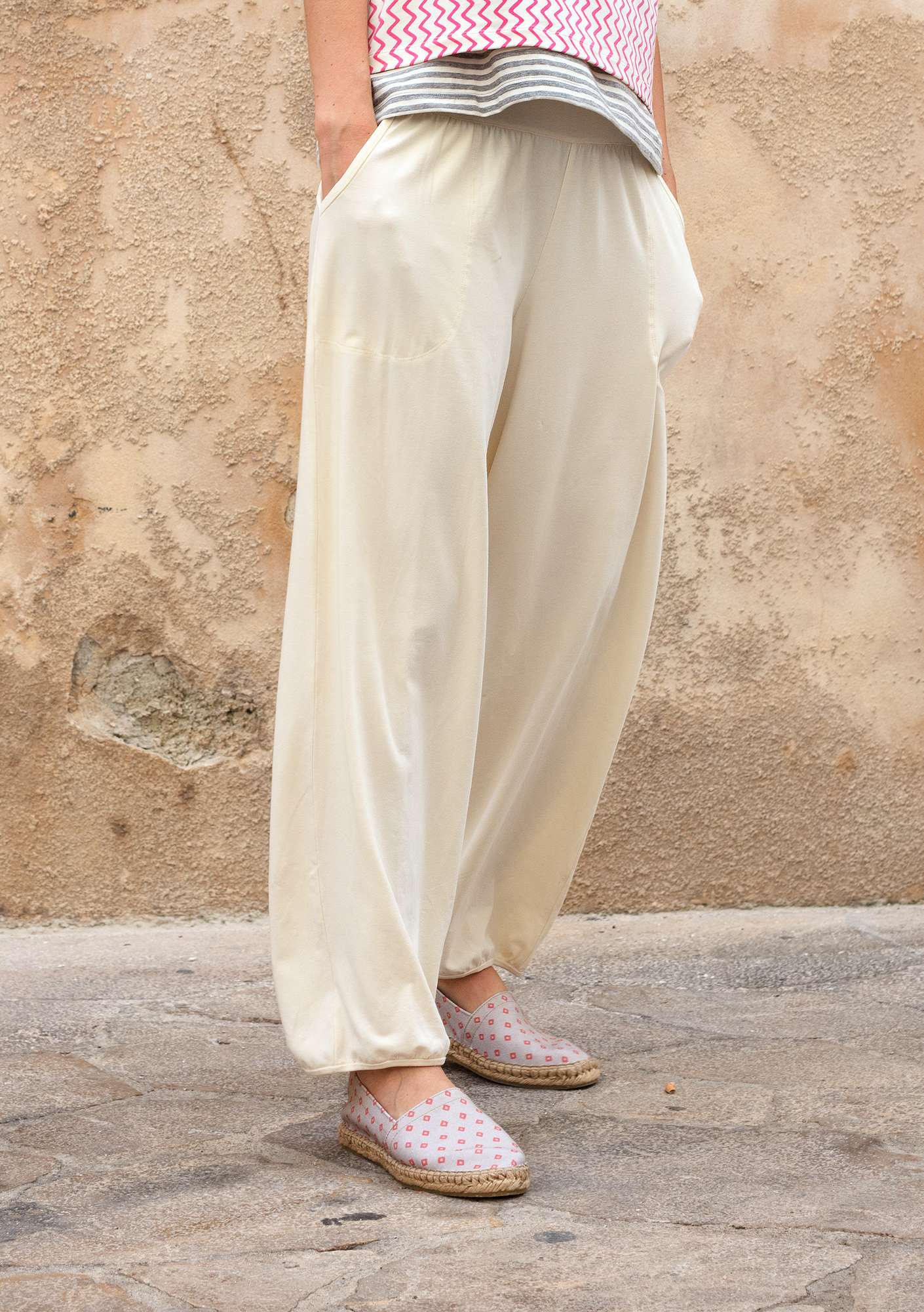 Trousers in organic cotton/elastane offwhite