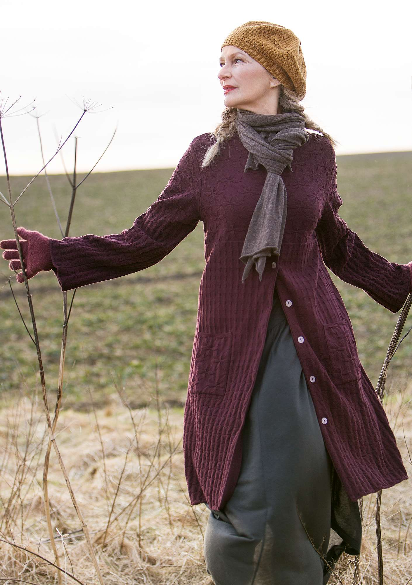 """Kristall"" long cardigan in recycled cotton grape"