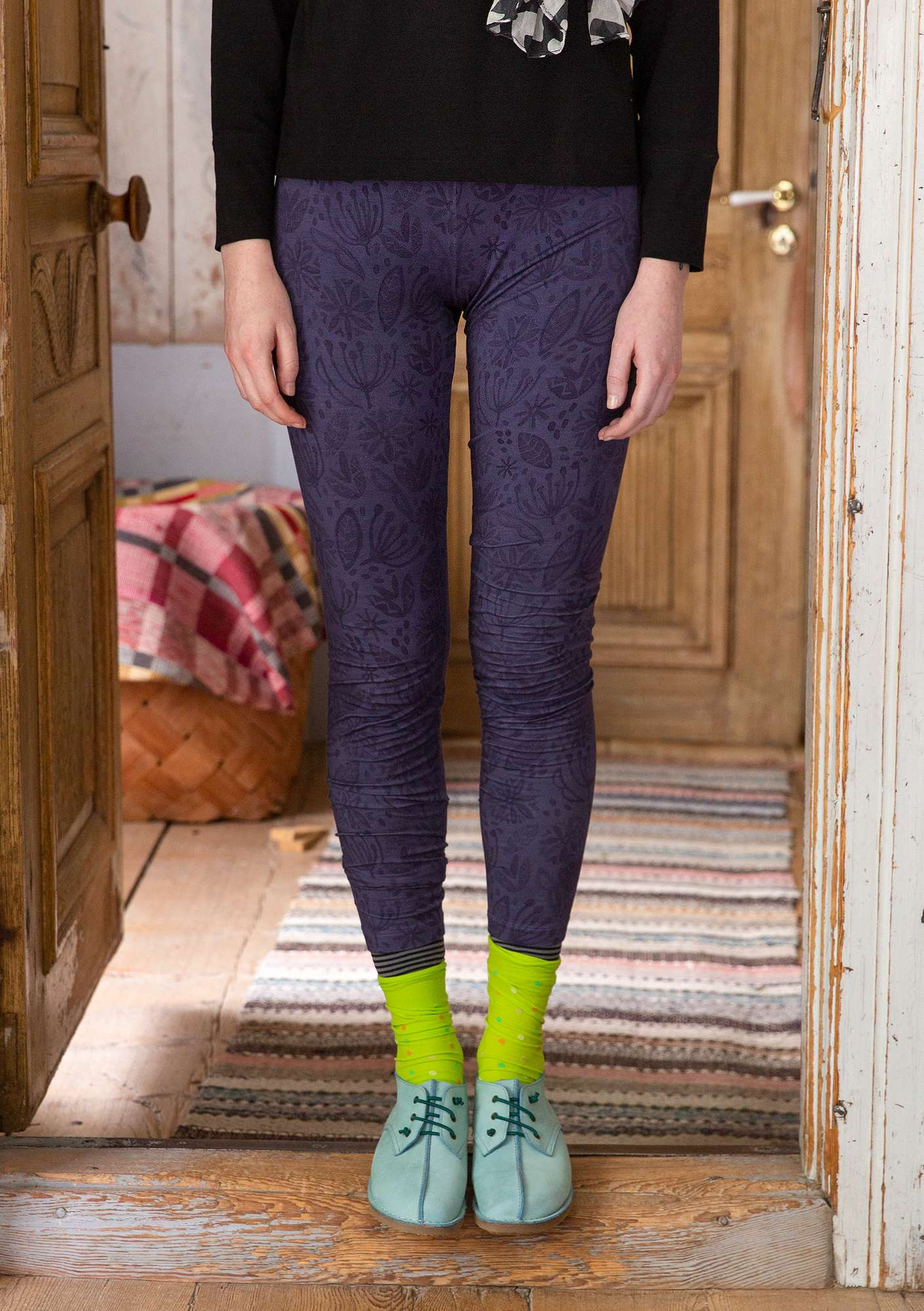 """Aqua"" leggings in lyocell/spandex gray purple"
