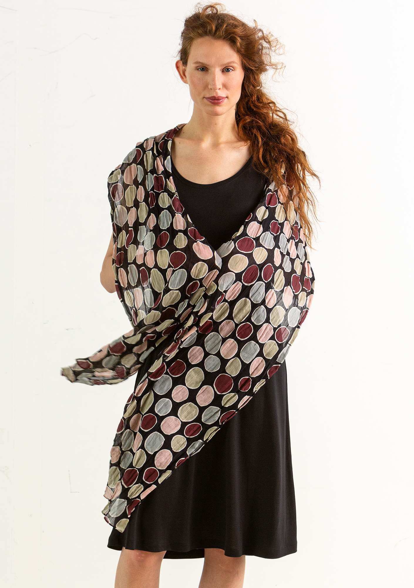 Cloud shawl black