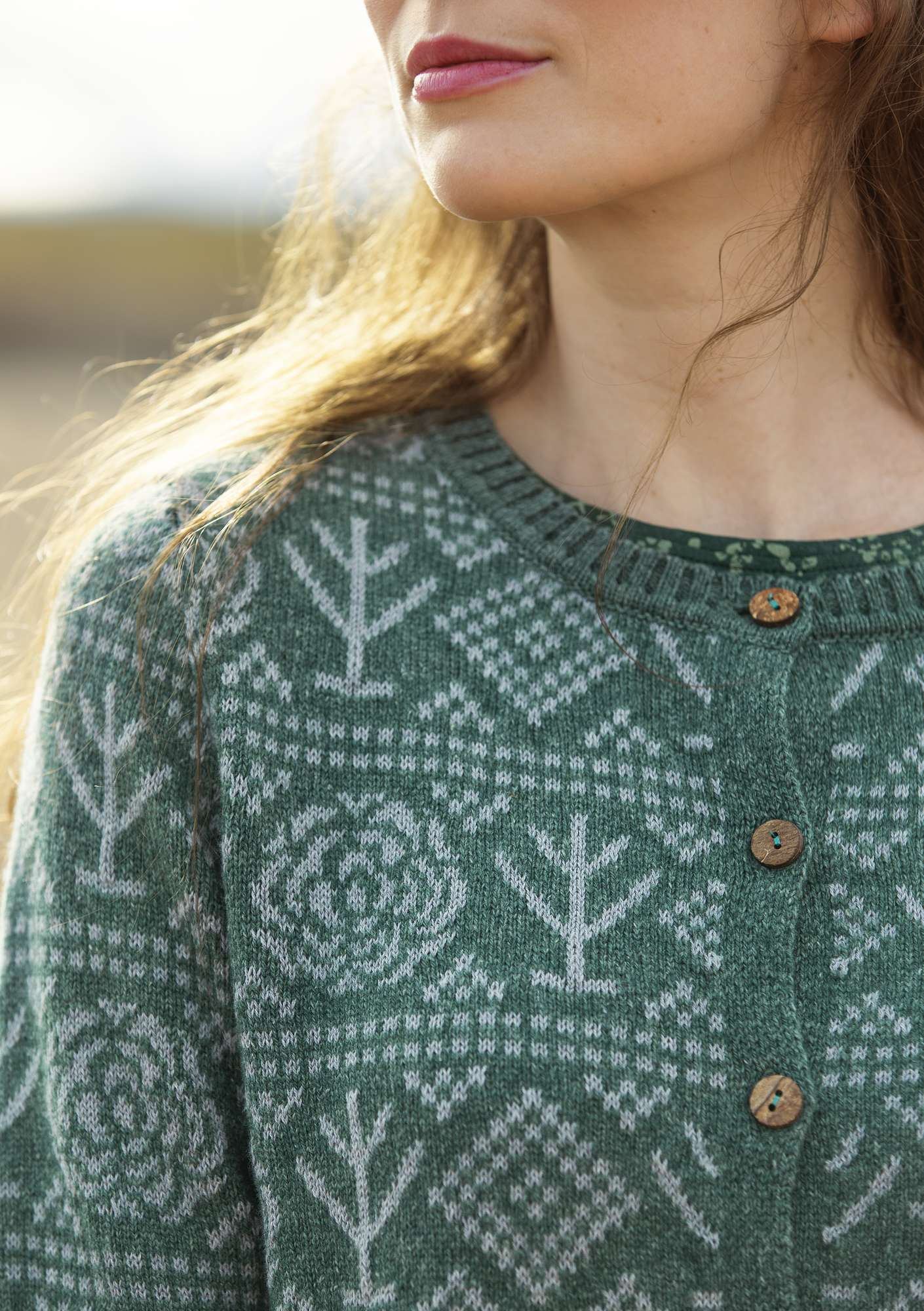 """Porslin"" cardigan in eco-cotton/eco-wool opal green"