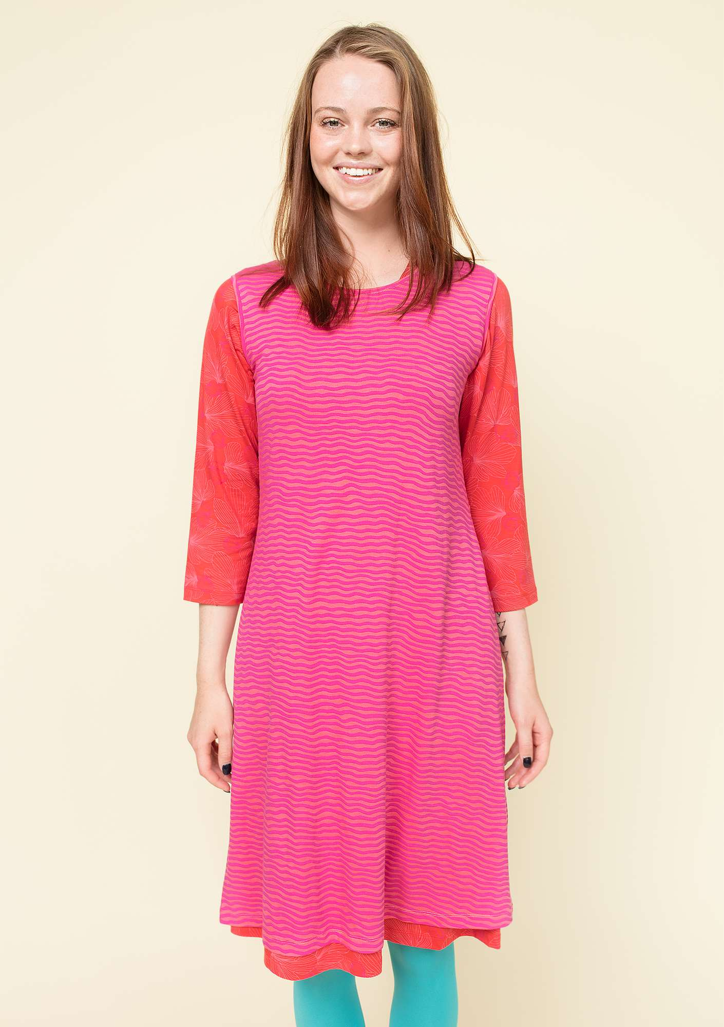 """Krusa"" dress in lyocell/spandex hibiscus/patterned"