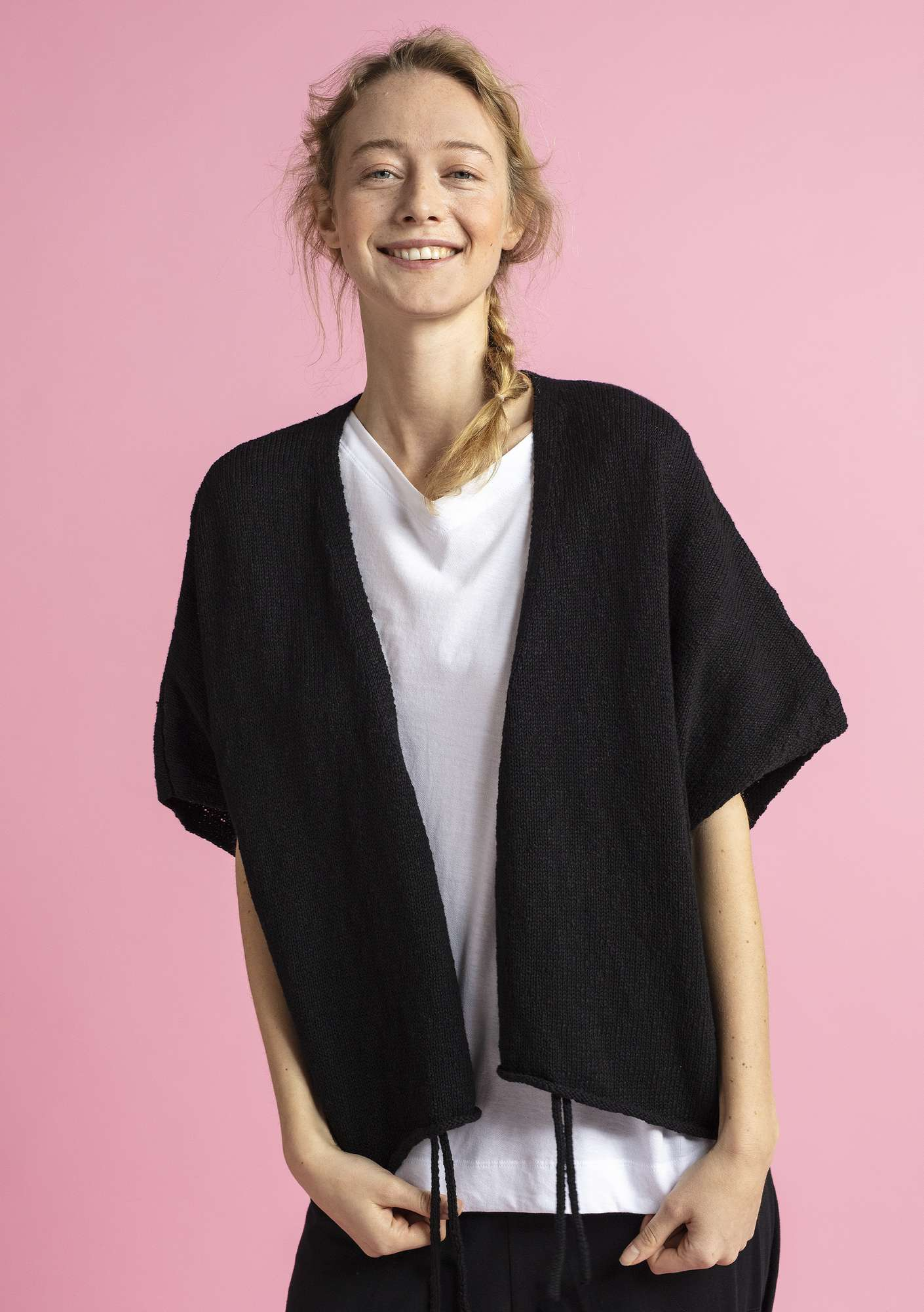 Wrap cardigan in eco-cotton/eco-linen black