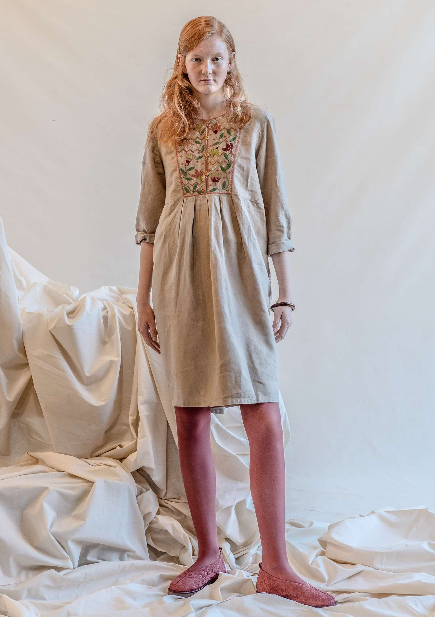 """Snökrokus"" linen dress dark nature"