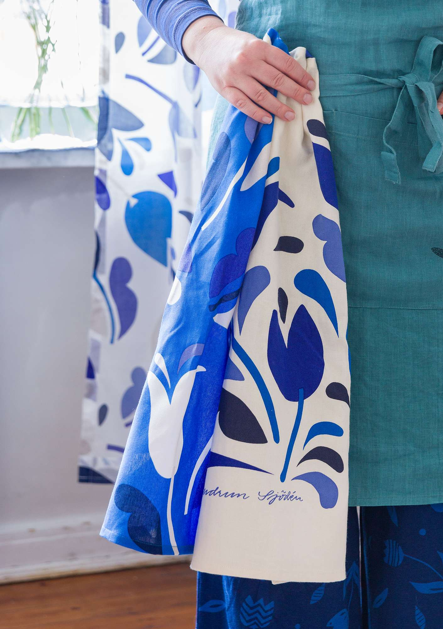 Botanica tea towel cobalt blue