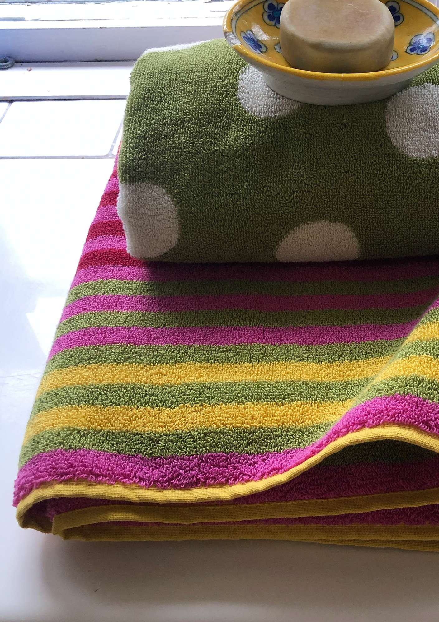 """Multi"" organic cotton towel hibiscus"