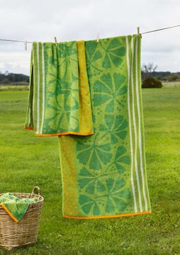 Kastanj bath towel apple green
