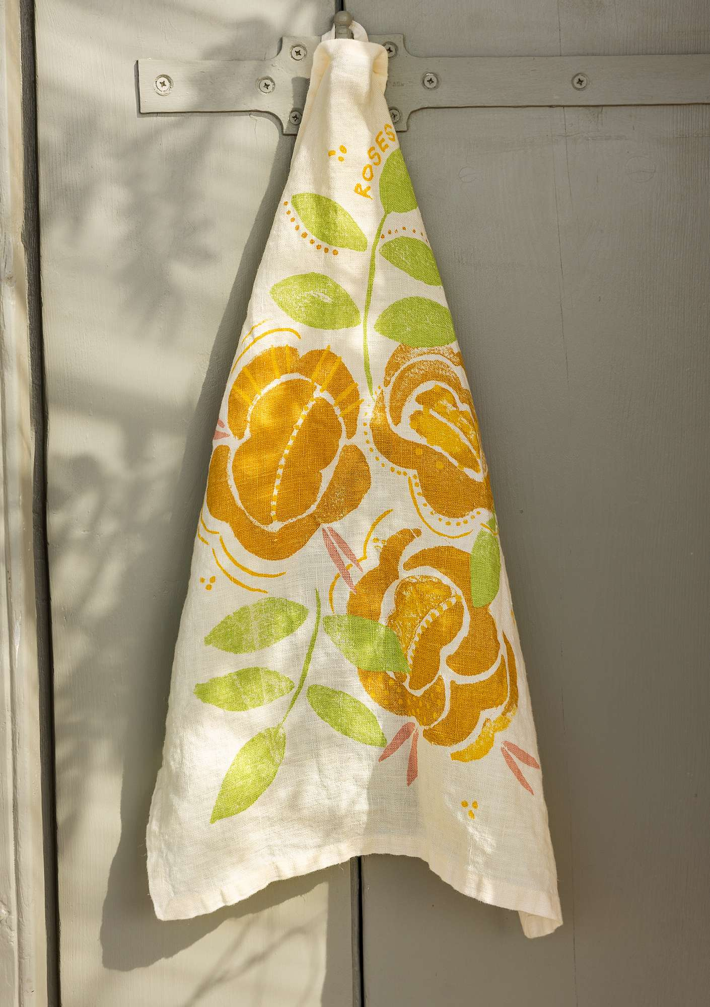 Roses tea towel  laburnum