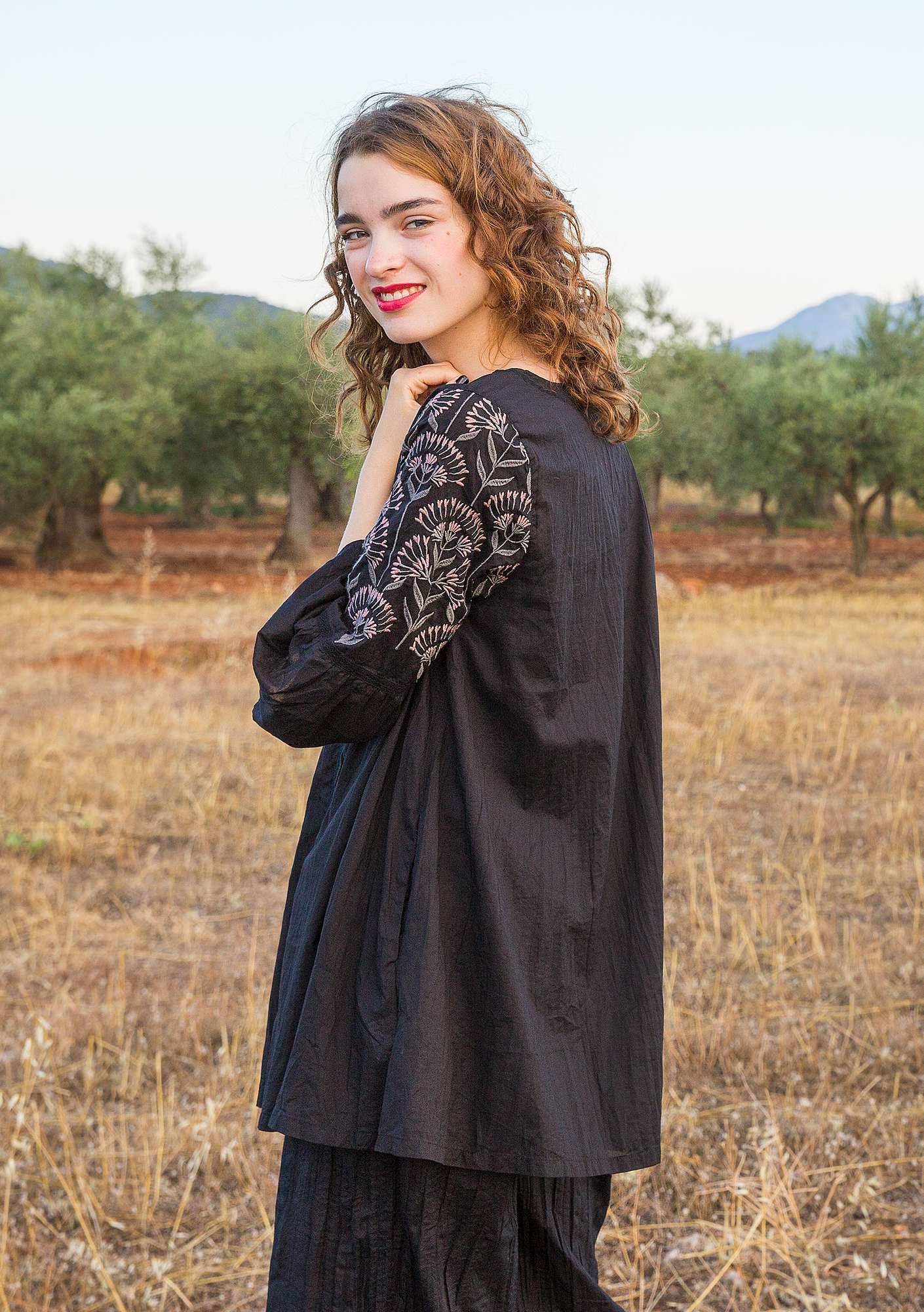 """Oregano"" tunic in organic cotton black"
