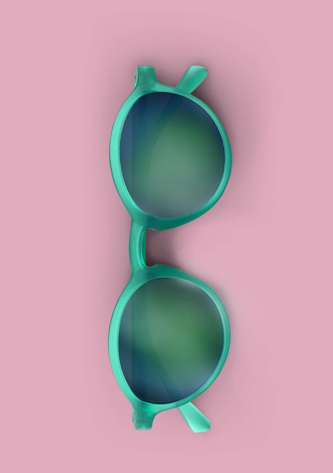 """Capri"" sunglasses pale orient green"