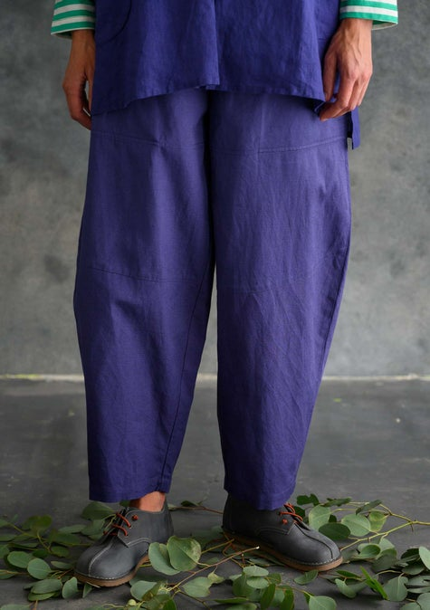 Solid-colored pants violet